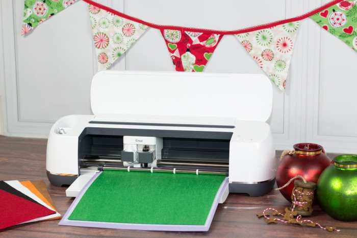 Cricut Photo Booth Props DIY Christmas Tutorial