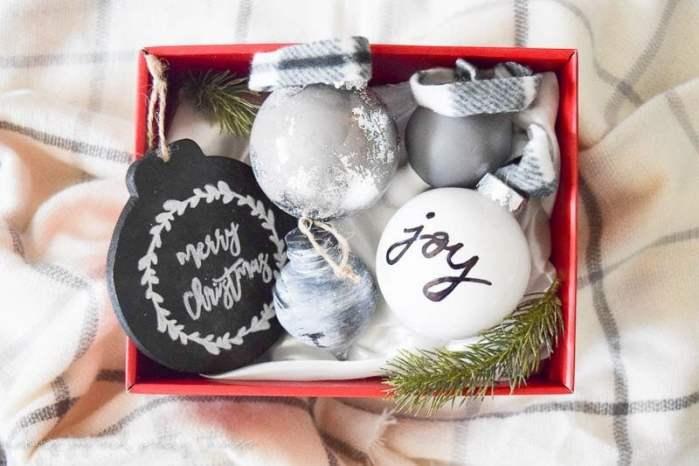 Making Joy and Pretty Things DIY Farmhouse Style Ornaments