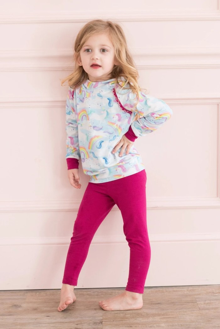 Learn how to sew a pair of leggings with this free pattern!