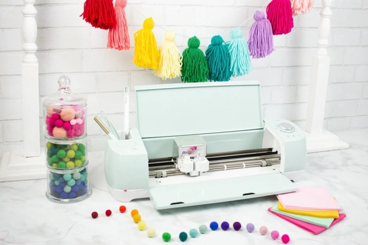 cricut maker vs explore air 2 which machine should i buy and why sweet red poppy. Black Bedroom Furniture Sets. Home Design Ideas