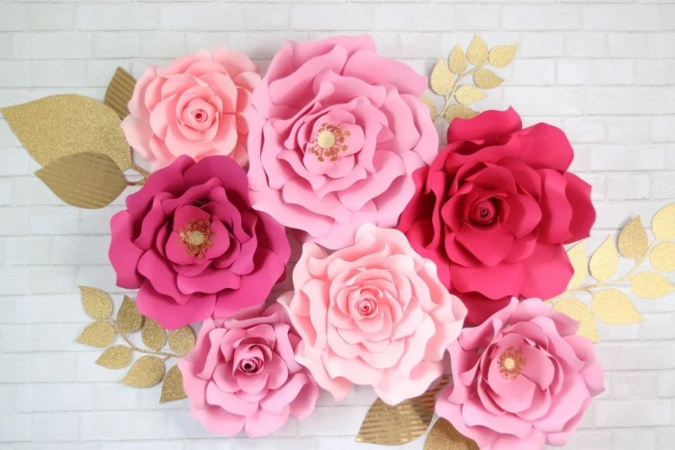 how to make large paper flowers by hand or with a cricut