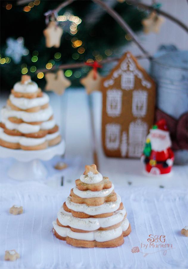 Arbol de Navidad con jengibre, galletas de jengibre, galletas de Navidad, Recetas Navideñas, arbol de navidad comestible, crema Chantilly, nata montada, Navidad, Papa Noel, recetas para Navidad, galletas de Mantequilla, galletas para decorar