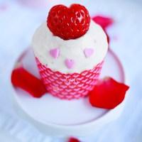 Cupcakes de fresa y chocolate blanco