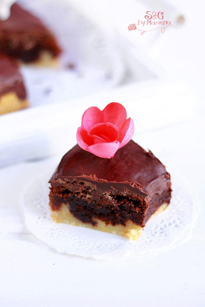 Pastel de chocolate crujiente