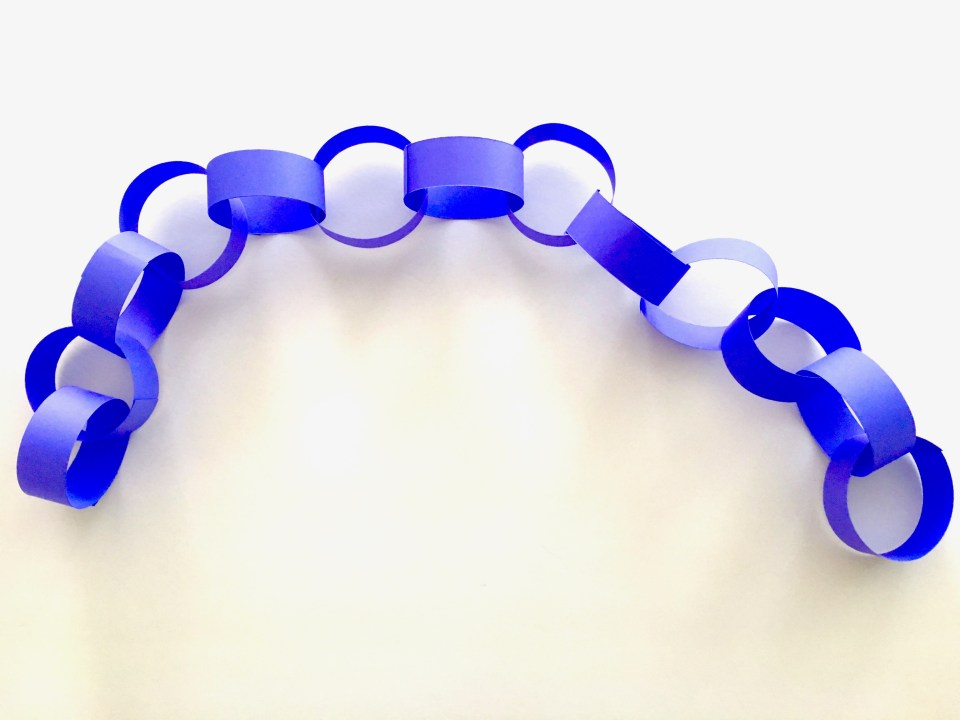 Leg of paperchains
