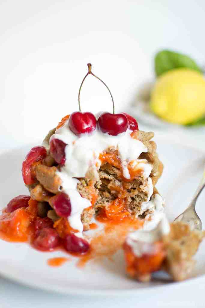 Gluten free vegan lemon waffles with Spring fruit compote - Waffle limone senza glutine