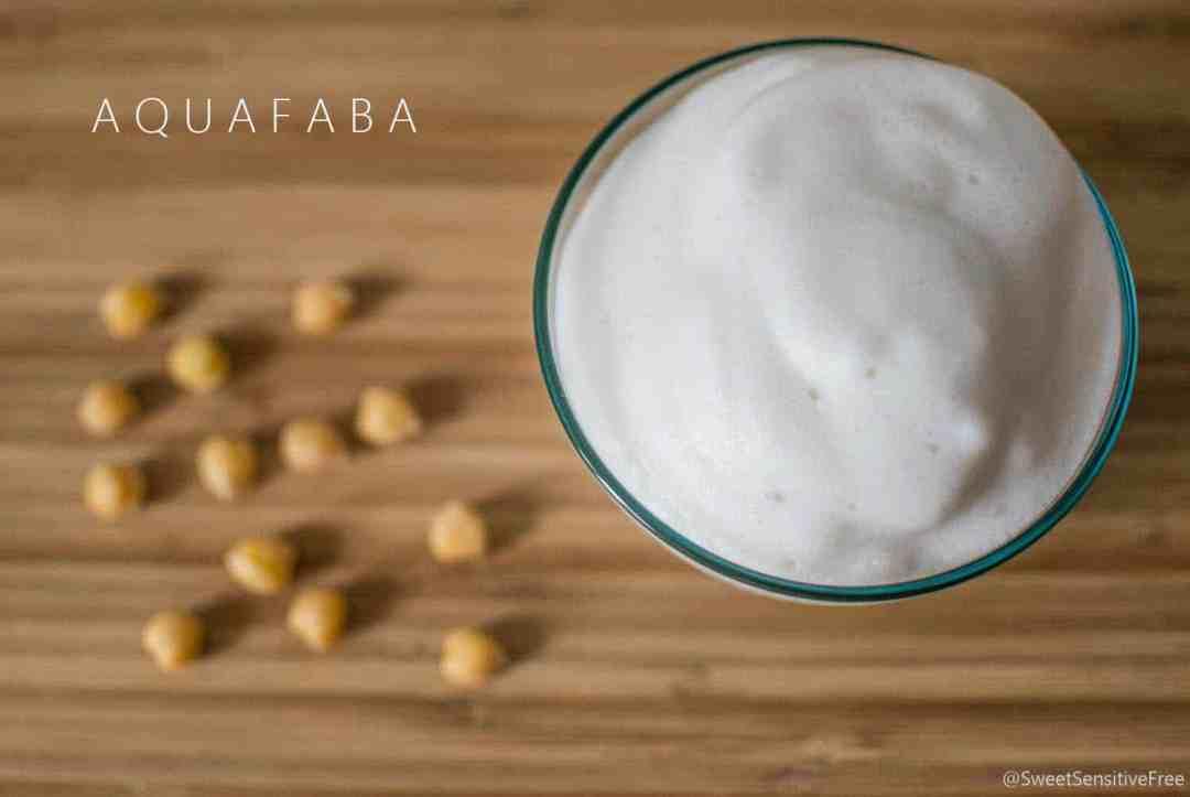 Aquafaba liquido cottura legumi montato a neve sostituto bianco uovo
