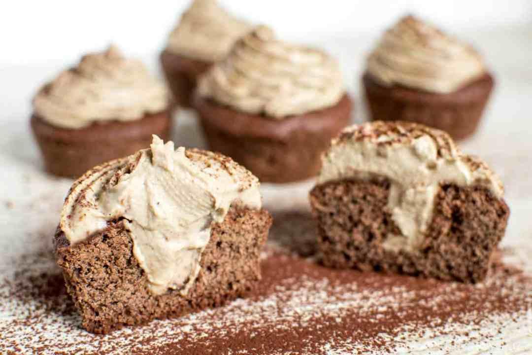 Ricetta cupcakes cacao cioccolato caffé senza glutine crema glassa senza lattosio latticini uova vegana