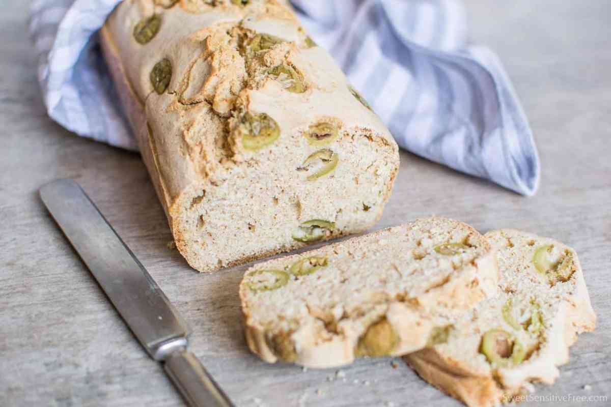 Pane senza glutine al miglio con olive (farine naturali, no mix pronti)