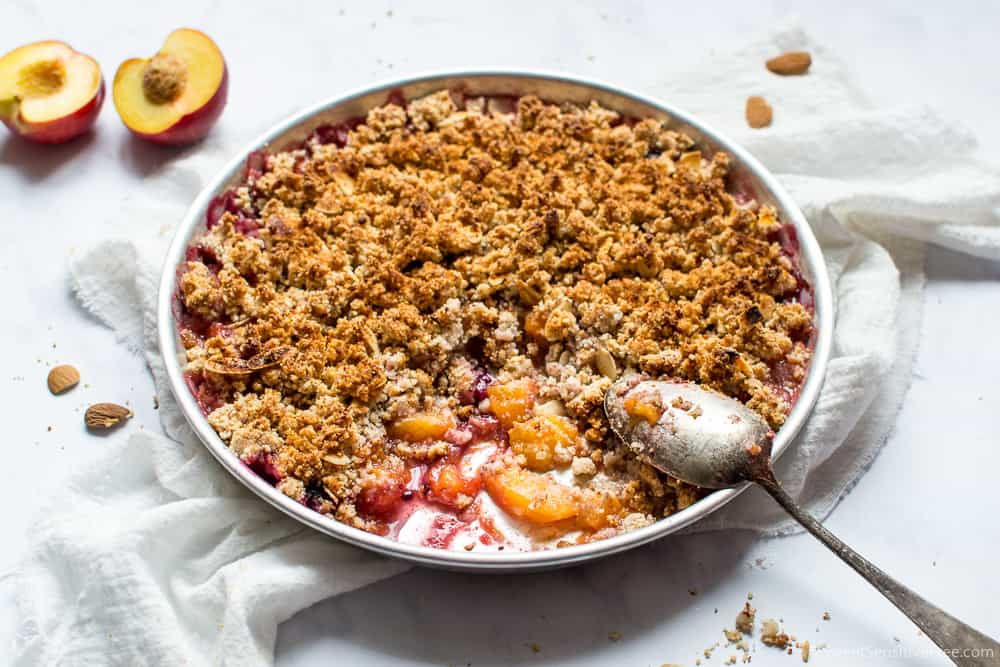 gluten free vegan peach crumble with almond flour