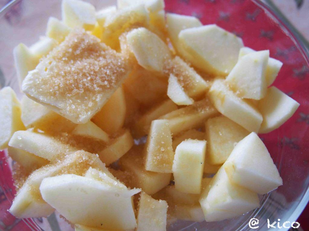 朝ごはんにもぴったり!素朴なおやつ りんごのパウンドケーキ