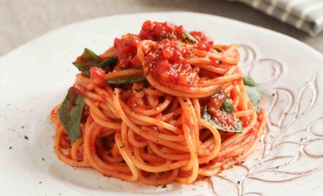 手抜き料理!トマトだけでも美味しくできるパスタのレシピ