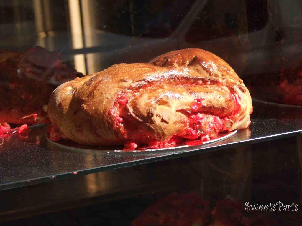 プラリーヌ・ルージュ|真っ赤な色したフランス・リヨンの伝統菓子