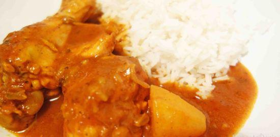 鶏がらスープから作るチキンカレーのレシピ|フランスで作る家庭料理