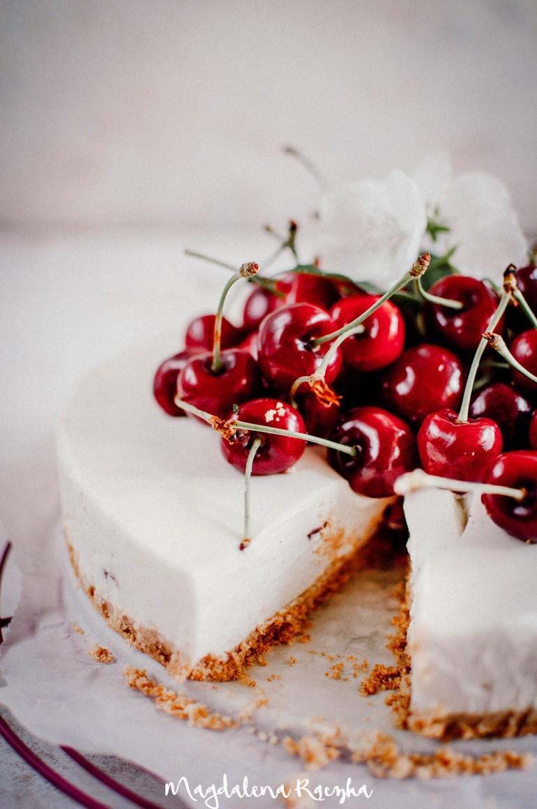 sernik na zimno z czereśniami