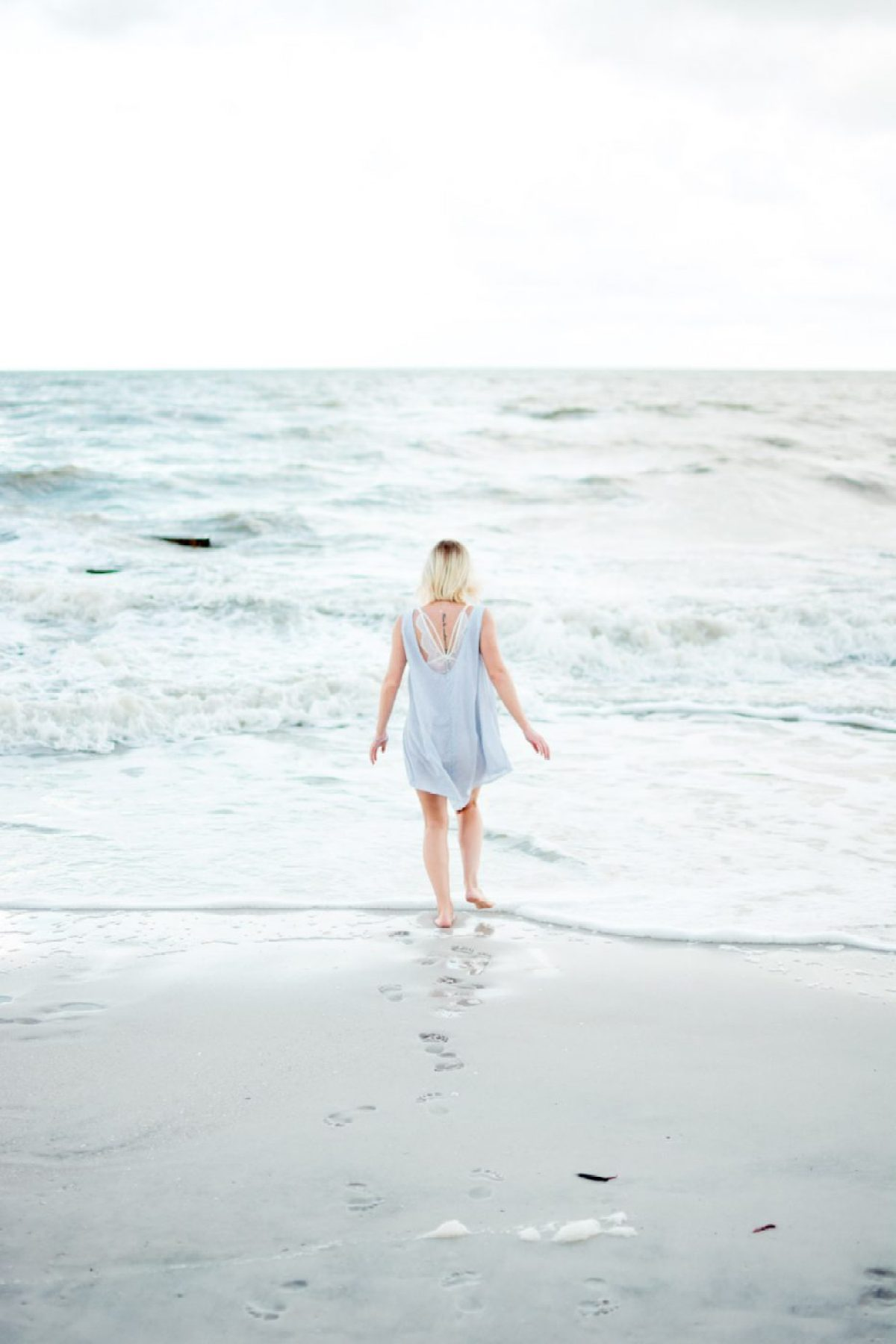 Cotton dress on the beach worn by Jenny - Sweet Teal