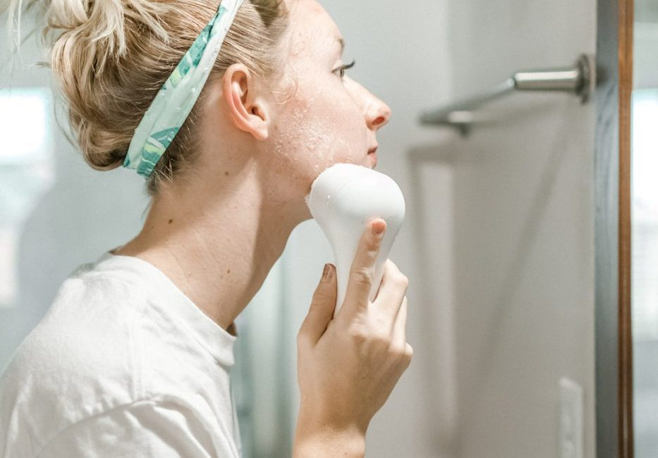 Clearing Acne with Clarisonic - Sweet Teal