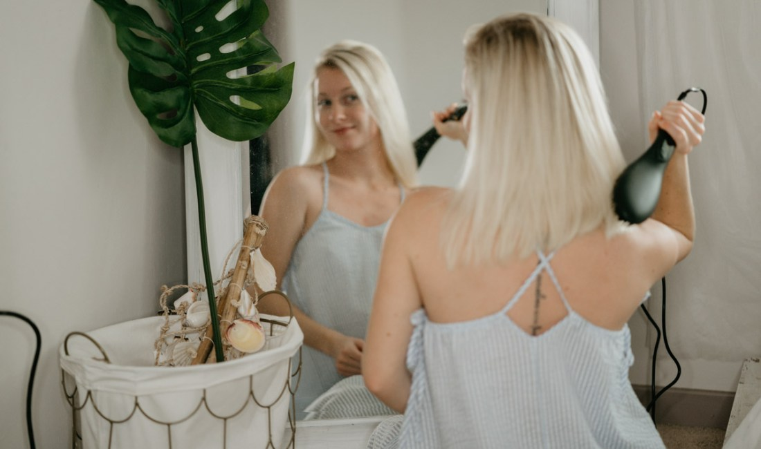 Herstyler Straight Brush Pro Review - Sweet Teal