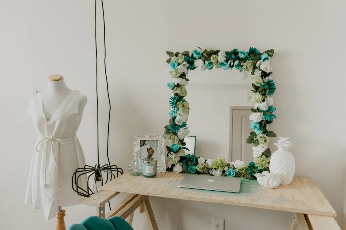 DIY Flower Mirror by Sweet Teal