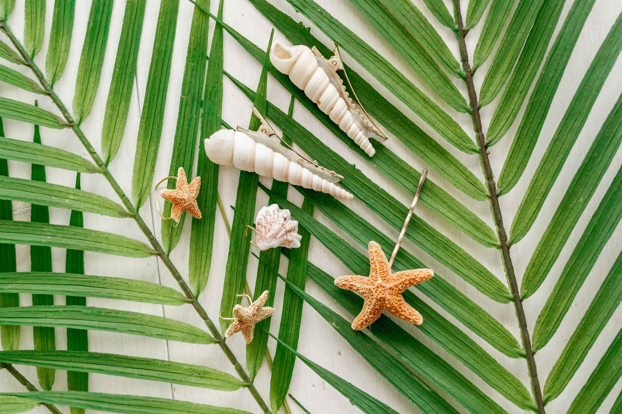 Make These Seashell Hair Accessories - Jenny Bess