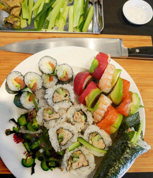 Sushi Rice & Cucumber Seaweed Salad | www.sweetteasweetie.com
