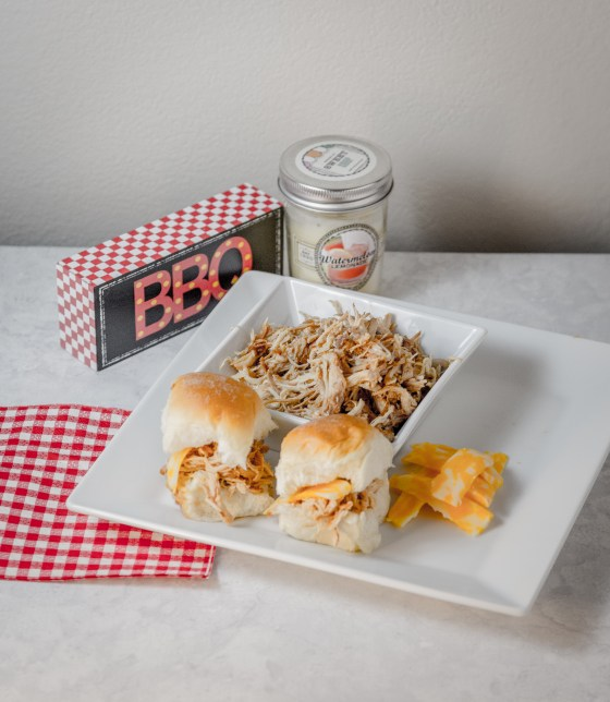 Peach BBQ Sliders www.sweetteasweetie.com