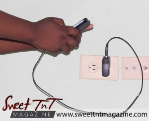 Phone battery life in sweet T&T for Sweet TnT Magazine, Culturama Publishing Company, for news in Trinidad, in Port of Spain, Trinidad and Tobago, with positive how to photography.