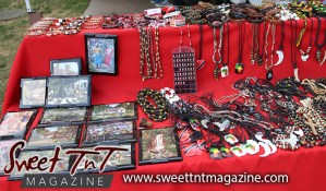 Art at the Savannah, Queen's Park, Port of Spain, jewelry, paintings, plaques, necklaces in Sweet T&T, Sweet TnT Magazine, Trinidad and Tobago, Trini, vacation, travel