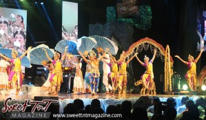 Divali, hindu, indian dance, hands up, divali nagar 2016, Chaguanas, Sweet T&T, Sweet TnT, Trinidad and Tobago, Trini, Travel, Vacation, Tourist
