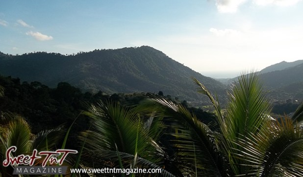 Las Cuevas Beach mountains in sweet T&T for Sweet TnT Magazine, Culturama Publishing Company, for news in Trinidad, in Port of Spain, Trinidad and Tobago, with positive how to photography.
