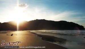 Las Cuevas Beach sunset in sweet T&T for Sweet TnT Magazine, Culturama Publishing Company, for news in Trinidad, in Port of Spain, Trinidad and Tobago, with positive how to photography.