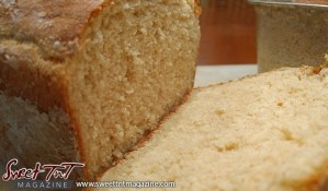 Sliced bread homemade in sweet T&T for Sweet TnT Magazine, Culturama Publishing Company, for news in Trinidad, in Port of Spain, Trinidad and Tobago, with positive how to photography.