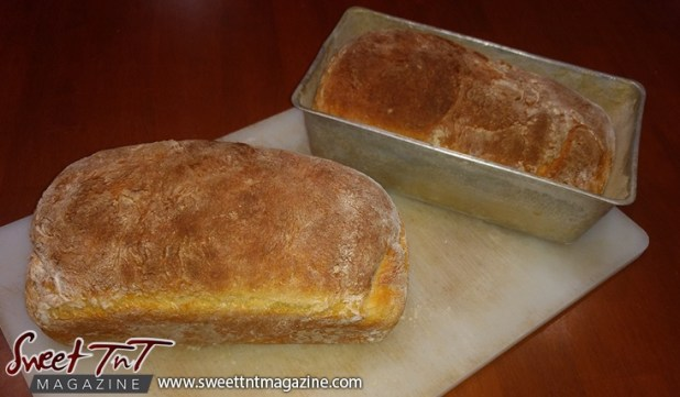 Bread homemade in sweet T&T for Sweet TnT Magazine, Culturama Publishing Company, for news in Trinidad, in Port of Spain, Trinidad and Tobago, with positive how to photography.