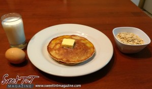 Flourless rolled oats pancakes for diabetics with milk, egg or banana in sweet T&T for Sweet TnT Magazine, Culturama Publishing Company, for news in Trinidad, in Port of Spain, Trinidad and Tobago, with positive how to photography.