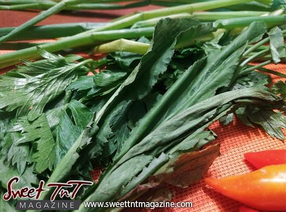 Celery for Homemade pepper sauce in Sweet TnT Magazine