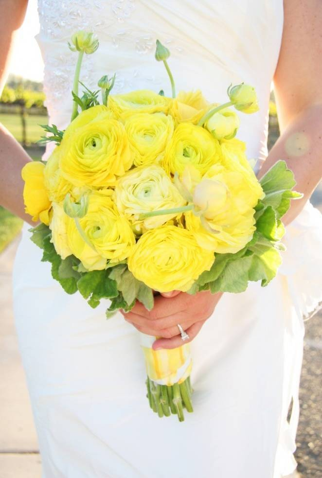 yellow ranunculus bouquet