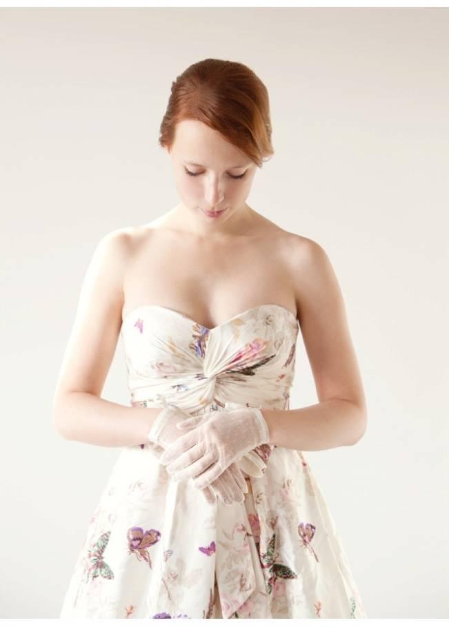 short bridal gloves