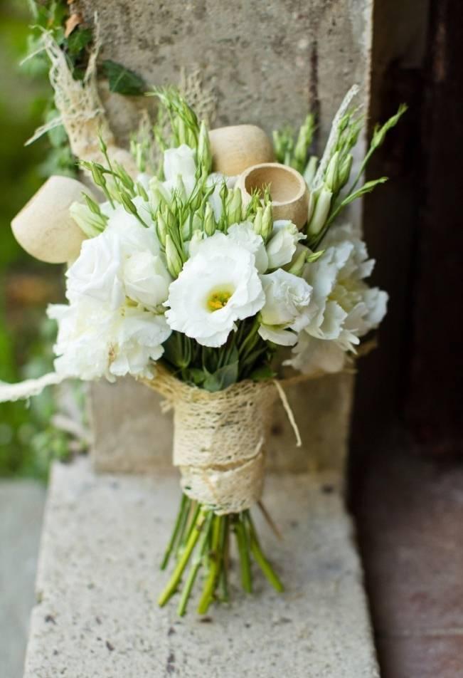 rustic white lisianthus bouquet