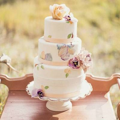 A Painterly Confection: Watercolor Wedding Cakes