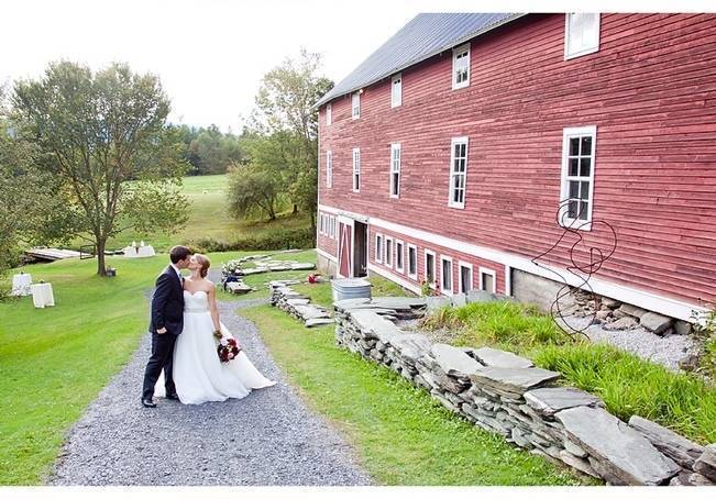 Vermont Country Chic Barn Wedding {Ember Photography} 24