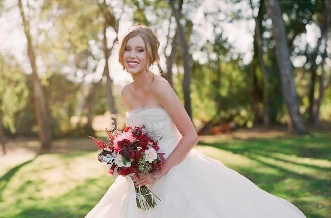 Elegant Red Alfresco Wedding Inspiration {Carmen Santorelli Photograhy} 9