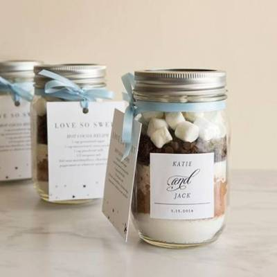 A Dozen Winter Wedding Favor Ideas