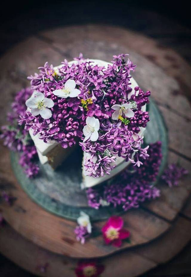 Prettiest Purple Cakes 4 - pinterest