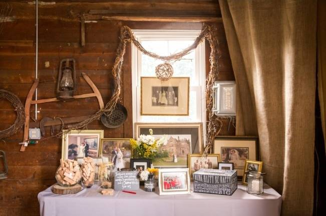 Rustic Outdoor Yellow and Grey Wedding {Idalia Photography} 25