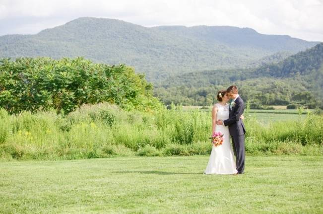 Romantic Vermont Wedding at West Monitor Barn - amy donohue photography 18