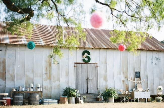 Rustic Chic Texas Barn Wedding - Stephanie Hunter Photography 17