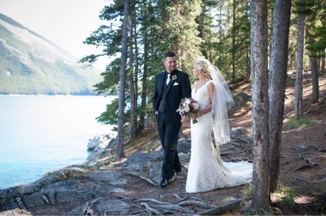 Plum & Nude Rustic Mountain Wedding - Melanie Bennett Photography 11