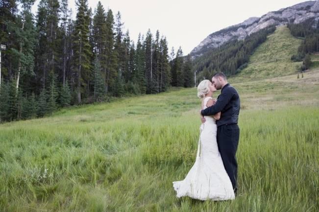 Plum & Nude Rustic Mountain Wedding - Melanie Bennett Photography 25
