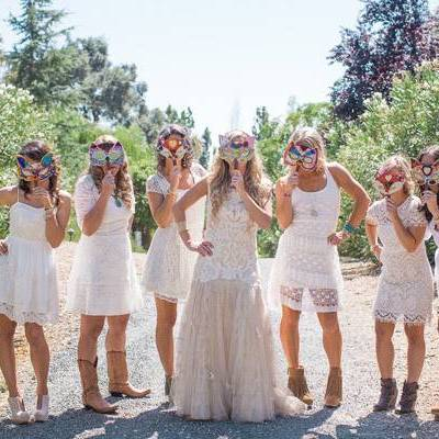 5 Silly Bridesmaid Photo Ideas: Use Those Props!