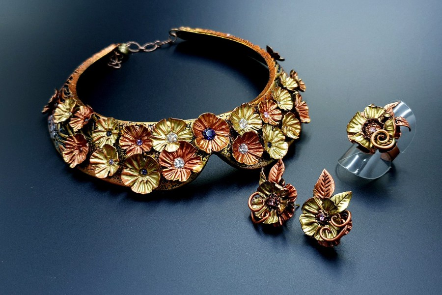 Flowers in Metal Jewelry set 03